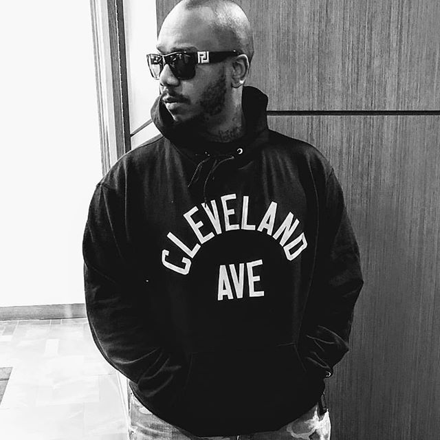 🙏🏾#Repost @michaelkeithof112 ・・・ YA'LL KNOW WHERE I'M FROM!!! BIG S/O TO THE OG @higherlevelbear AND @cruvieclothing FOR MY HOODIE!!! #ZONE3 #CLEVELANDAVE