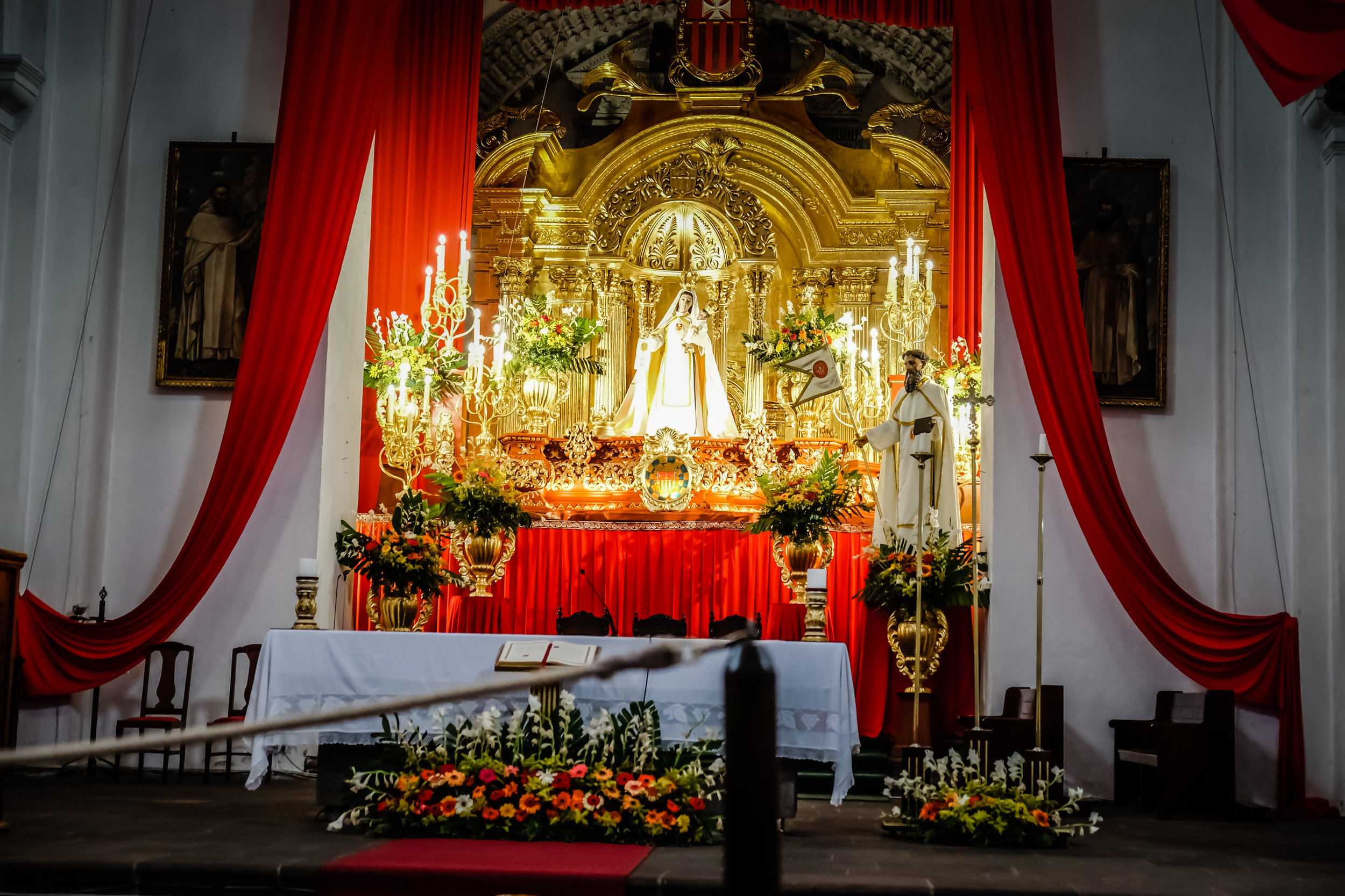 Altar, La Merced Iglesia y Monasterio, Antigua, Guatemala
