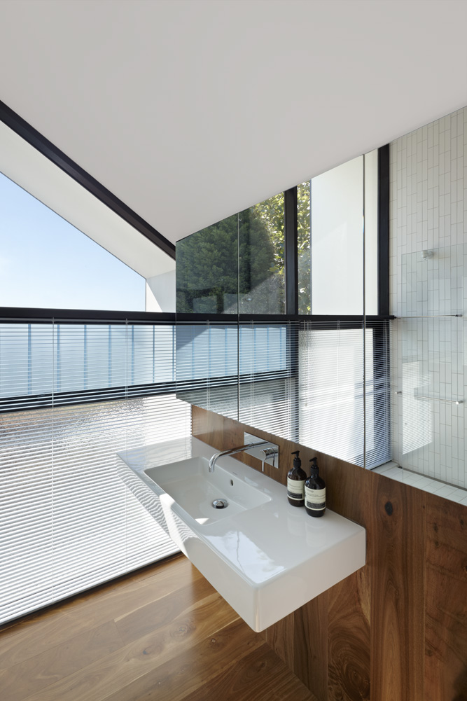 North Fitzroy House. Master Ensuite