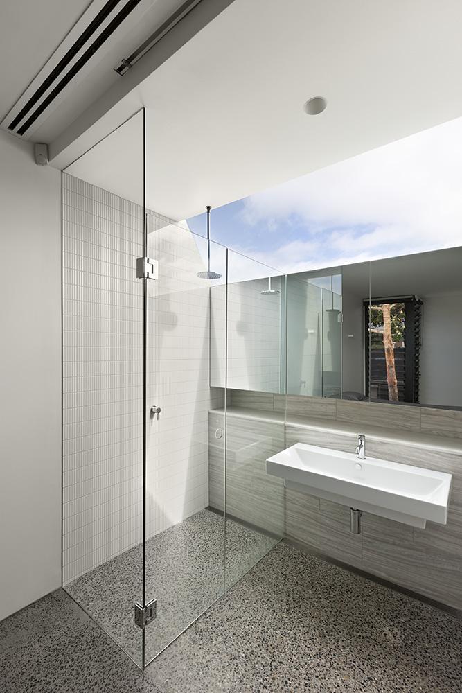 South Yarra Apartments. Bathroom