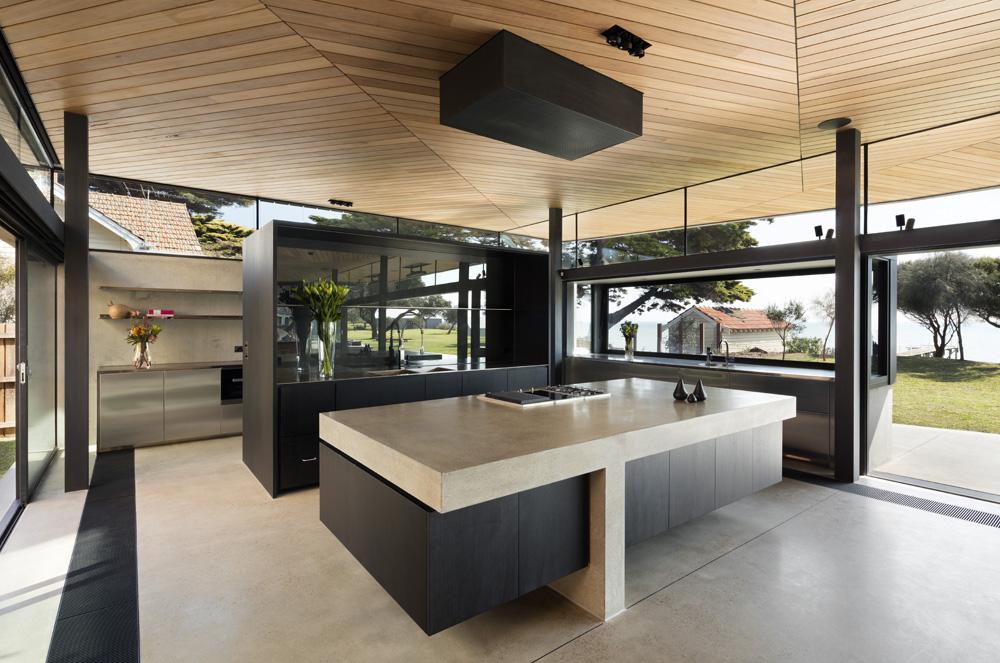 Sorrento Beach House. Kitchen