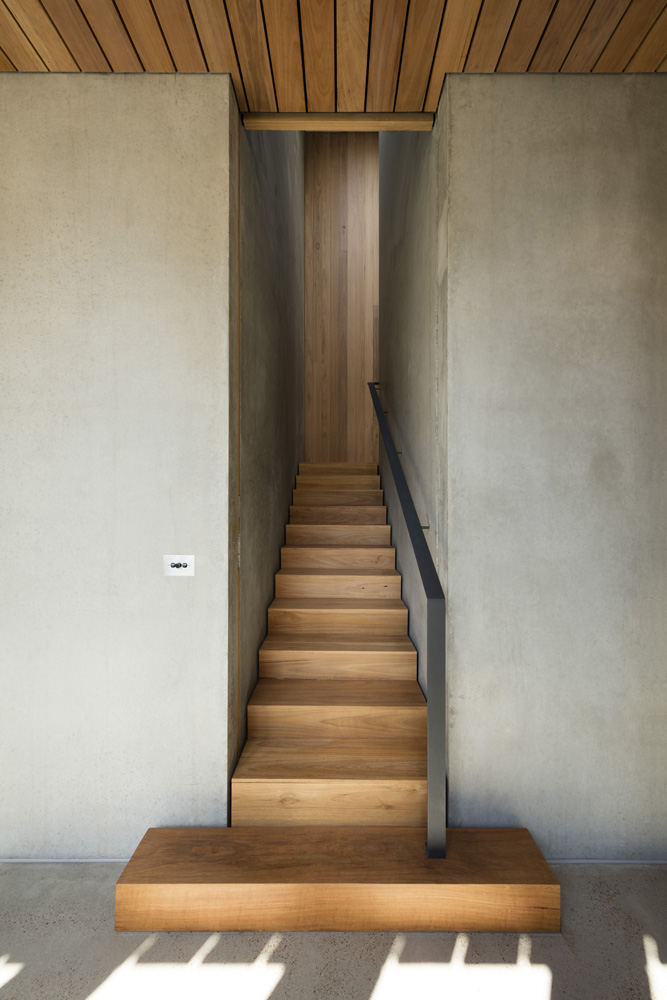 Sorrento Beach House. Stairs