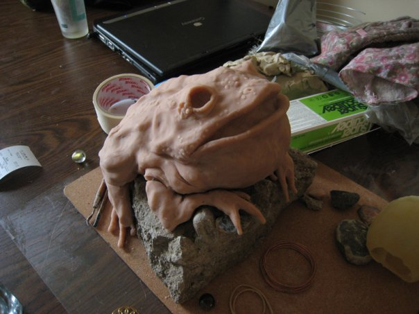 FrogScupture.jpg