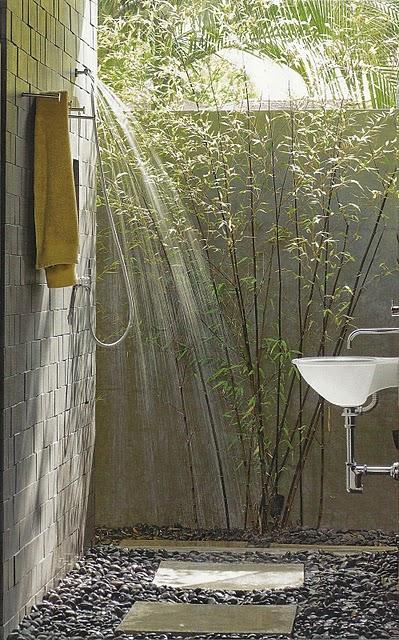 La Dolce Vita outdoor shower.jpg
