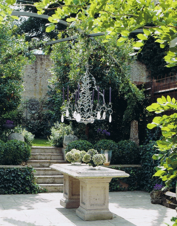 bristish-house-and-garden-july-10 Trouvais.jpg