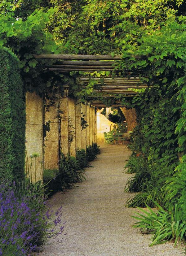 british-house-and-garden-sept-09-3 Trouvais summer secrets.jpg