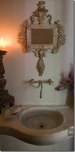 Pwder room Chateae Domingue.png