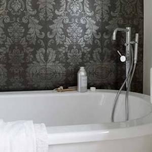Glamorous-bathrooms-1_e_162dcf0e02d38b5ec8ab69babc9f7d1b.jpg