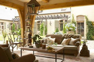 pretty outdoor room and courtyard.jpghausdesign.jpg