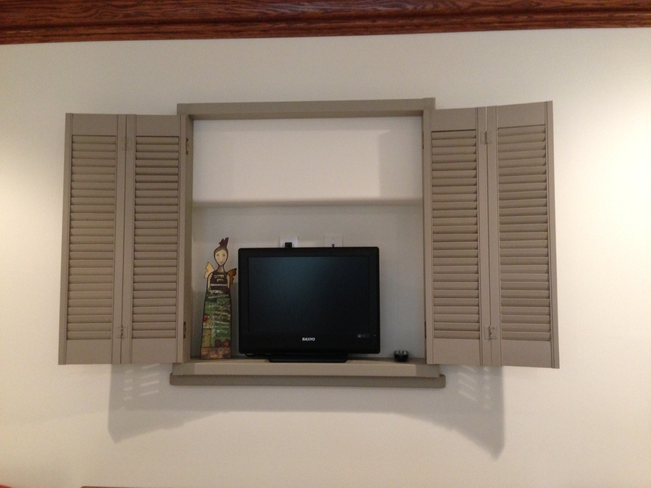 kitchen.shutters.providence.design.jpg