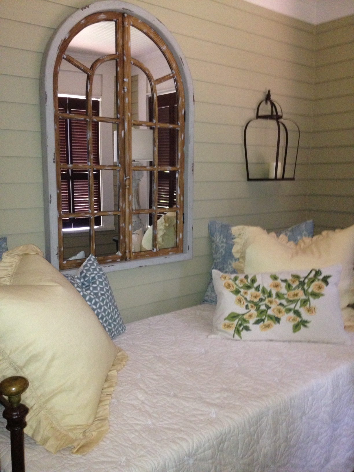sleeping.porch.3.providence.design.jpg