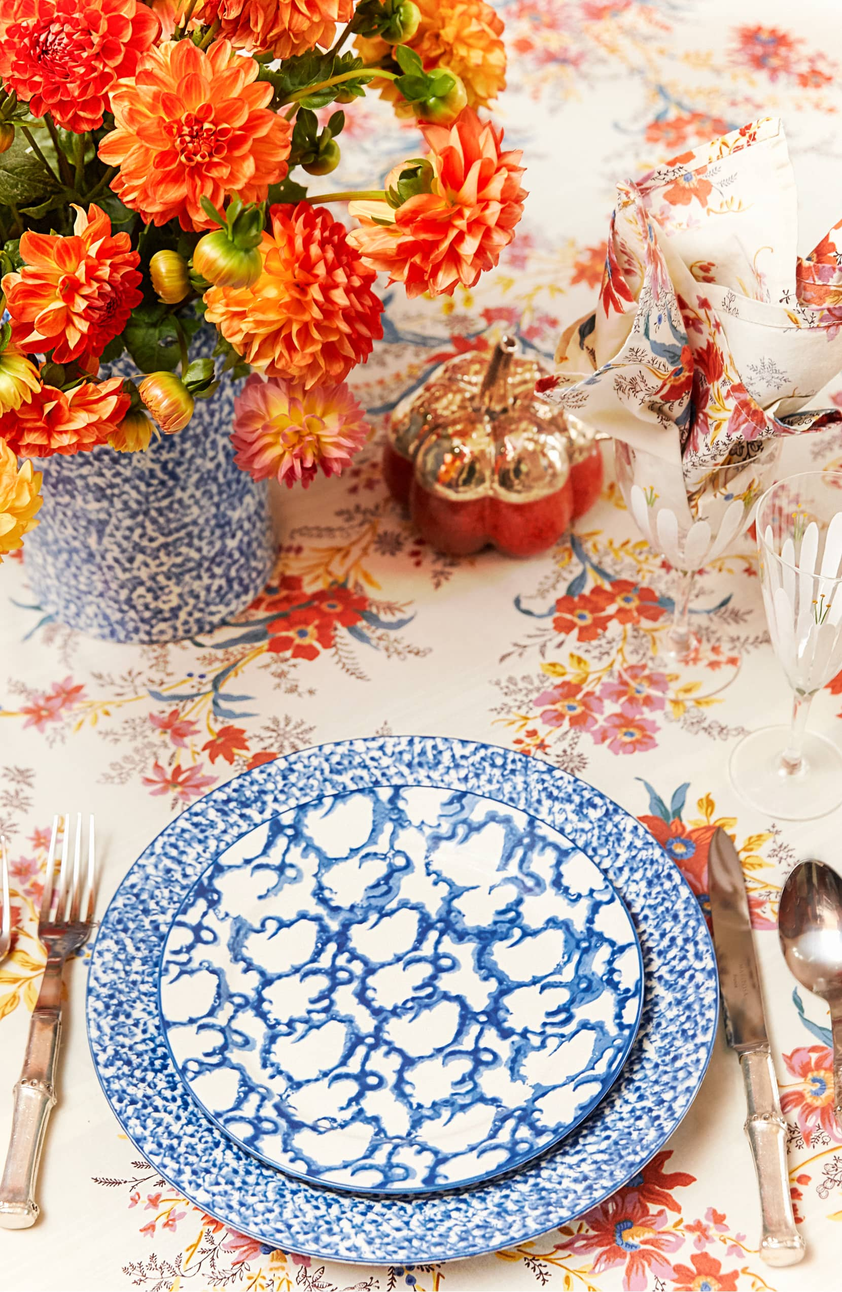 Tablescape For Late Summer And Early Autumn