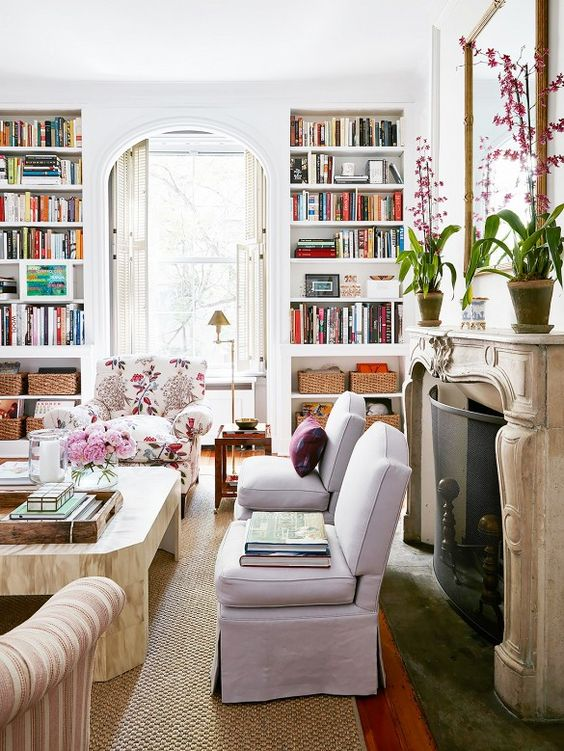 Things We Love... Built-In Bookshelves