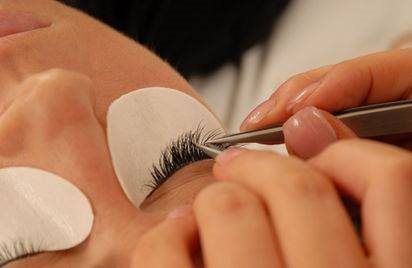 Lash extensions in Berkeley