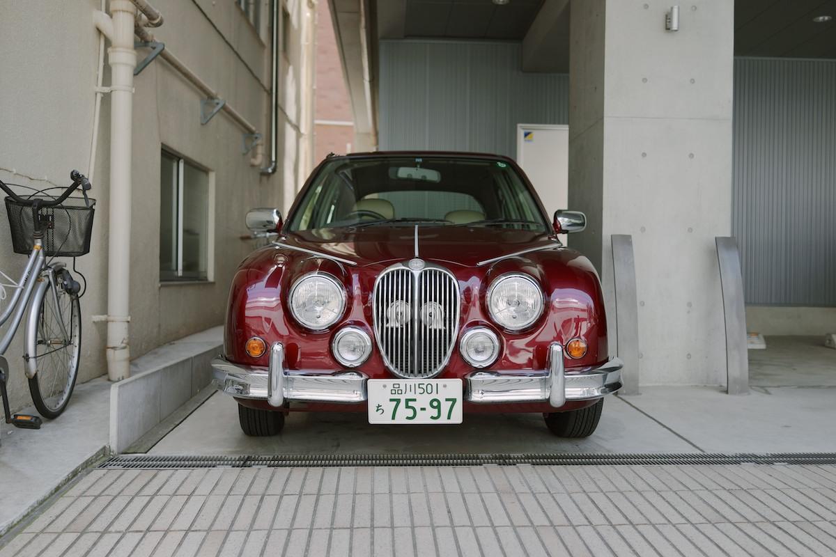 Mitsuoka is a coachbuilder that modifies modern Nissan/Honda/Toyota vehicles into strange retro versions like this, theViewt.
