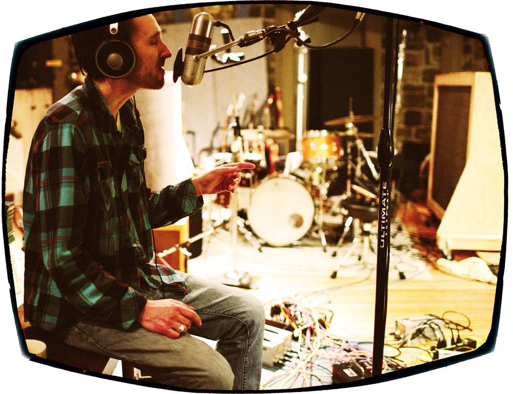 Lee Sings