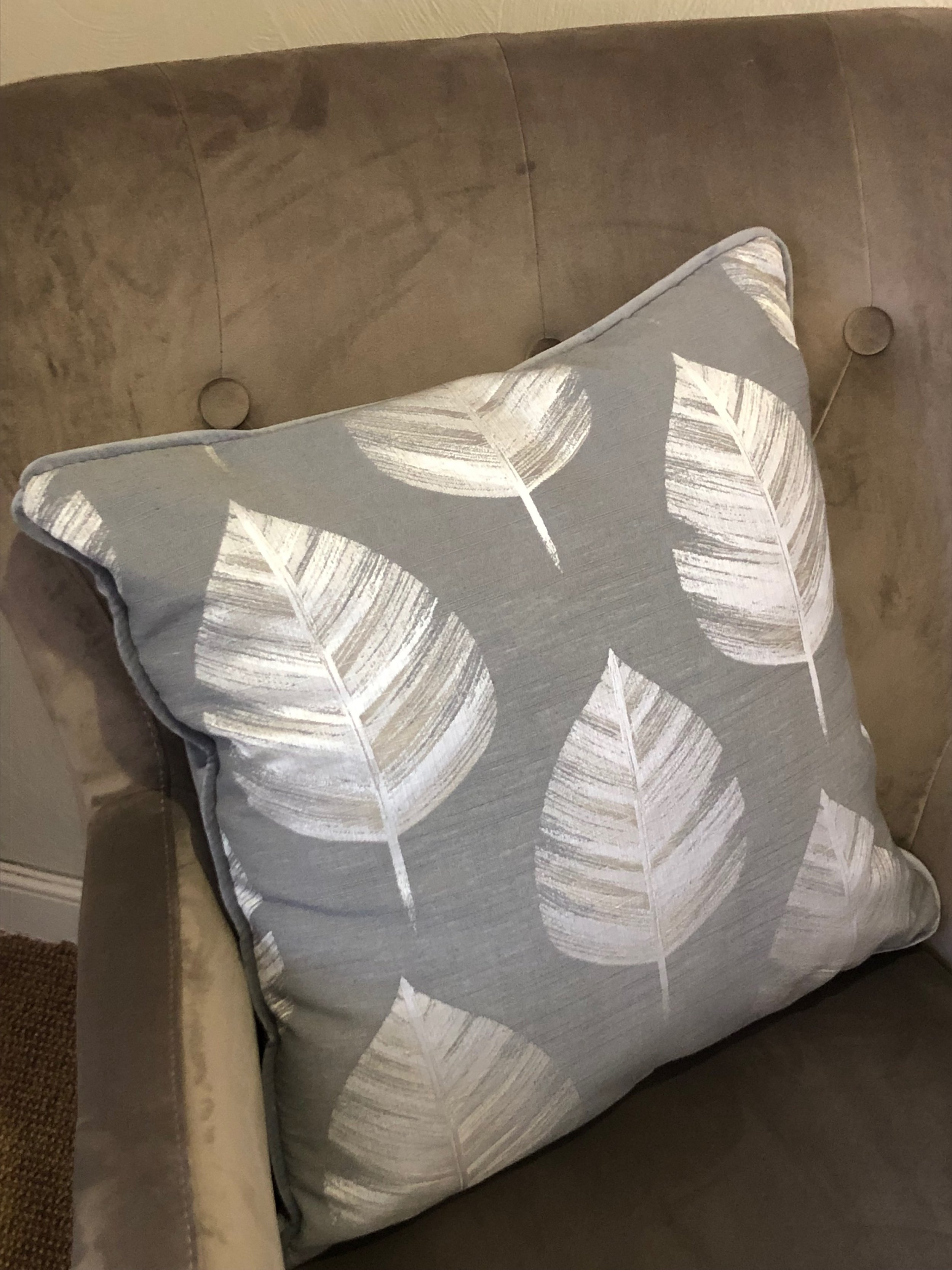 Bowood Grey Leaf Cushion OJG004