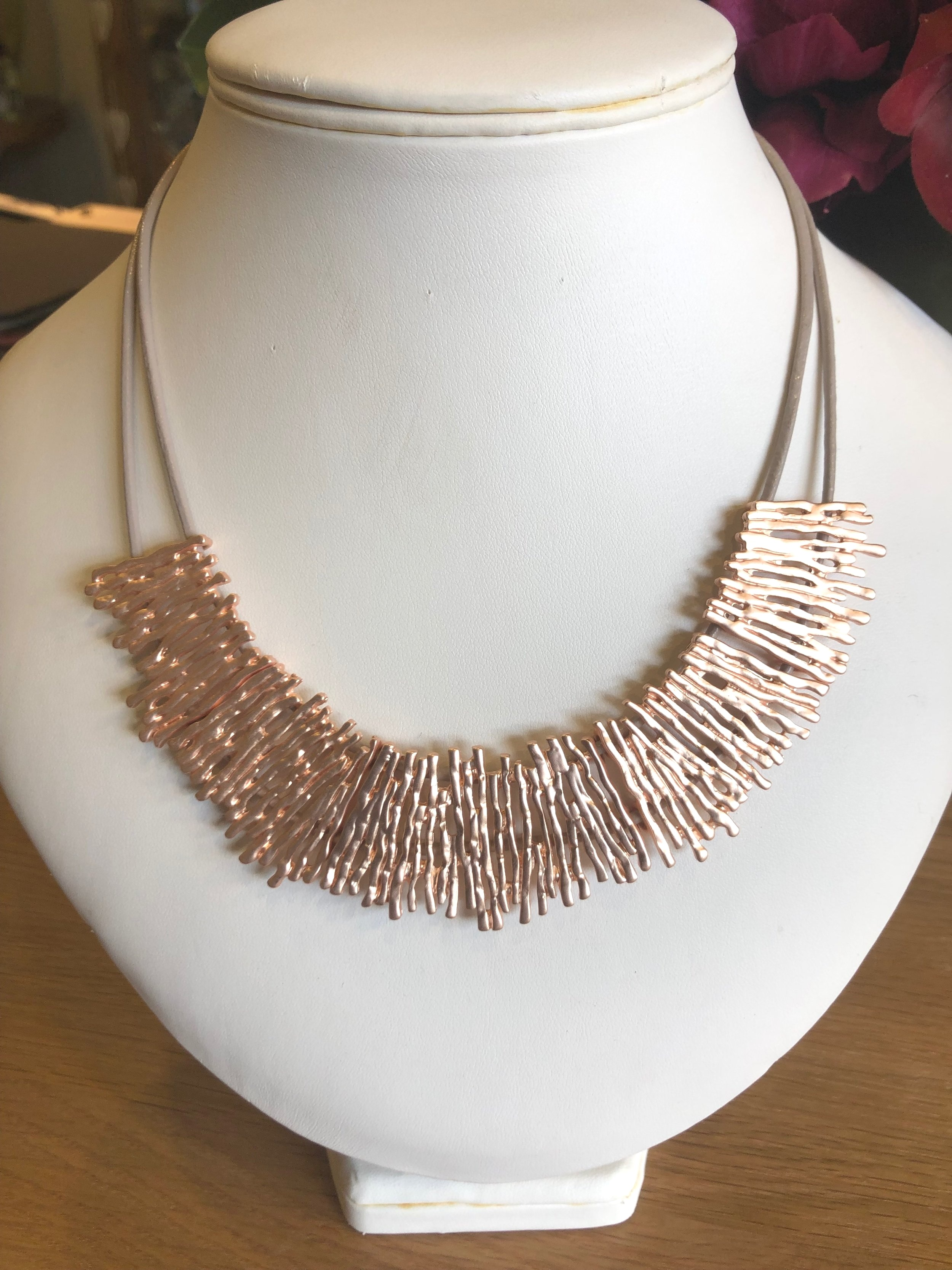 Rose Gold Necklace OQU001