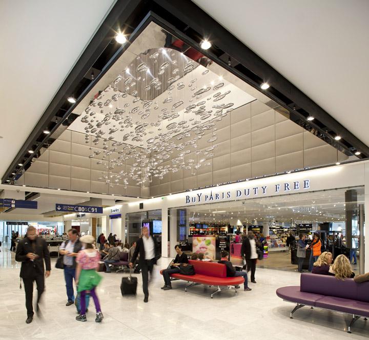 Charles-de-Gaulle-airport-shopping-center-WCIE.jpg