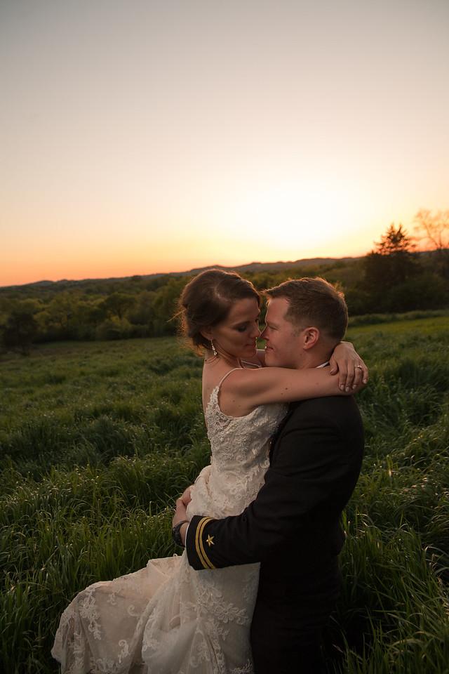 Jared & Kristin Wedding  (926 of 1066)-X2.jpg