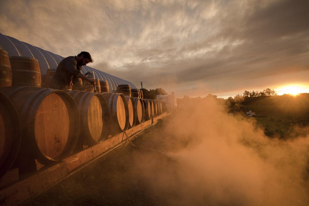 Chris Campbell washing barrels at sunset | Photo: Andrew Sainsbury | @avsains @campbell101