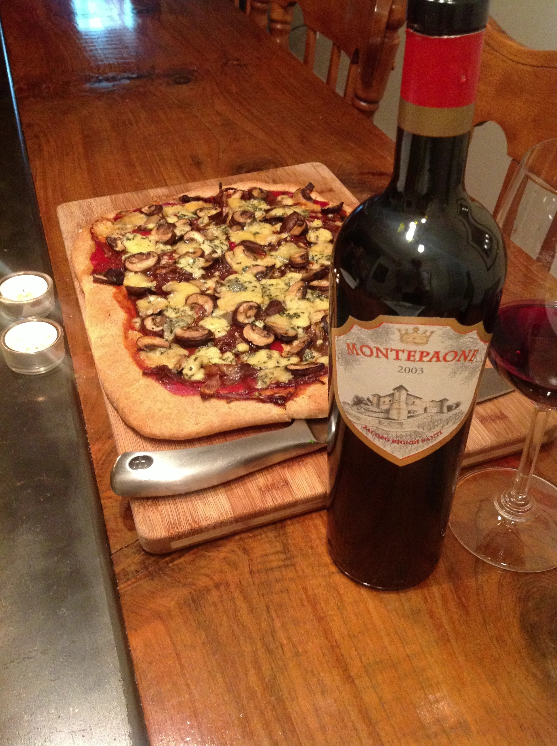 NYE dinner: Mushroom and Gorgonzola spelt pizza with 2003 Montepaone.