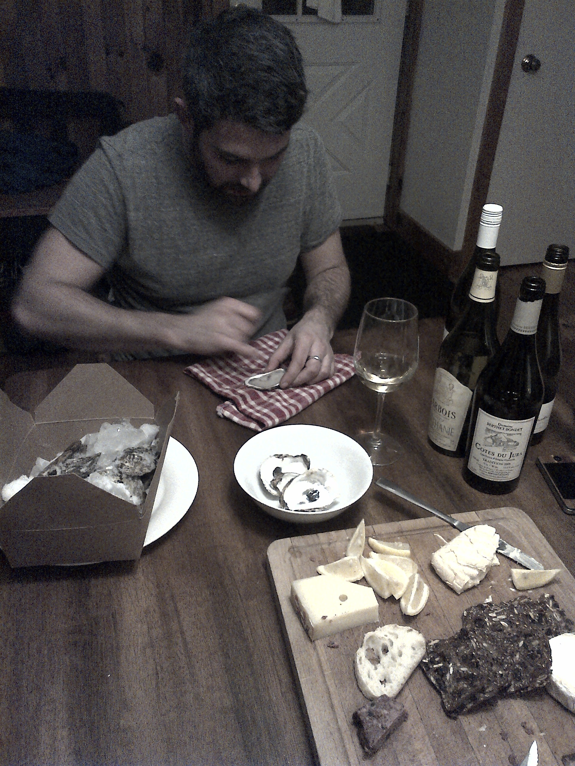 @CitizenSwell shucking up a storm. Boys night in Chelsea, QC