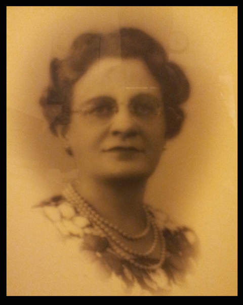 Dr. Isabelle MacDonald