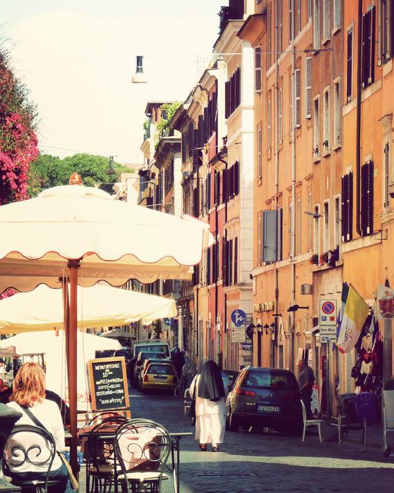 vatican street_web.jpg