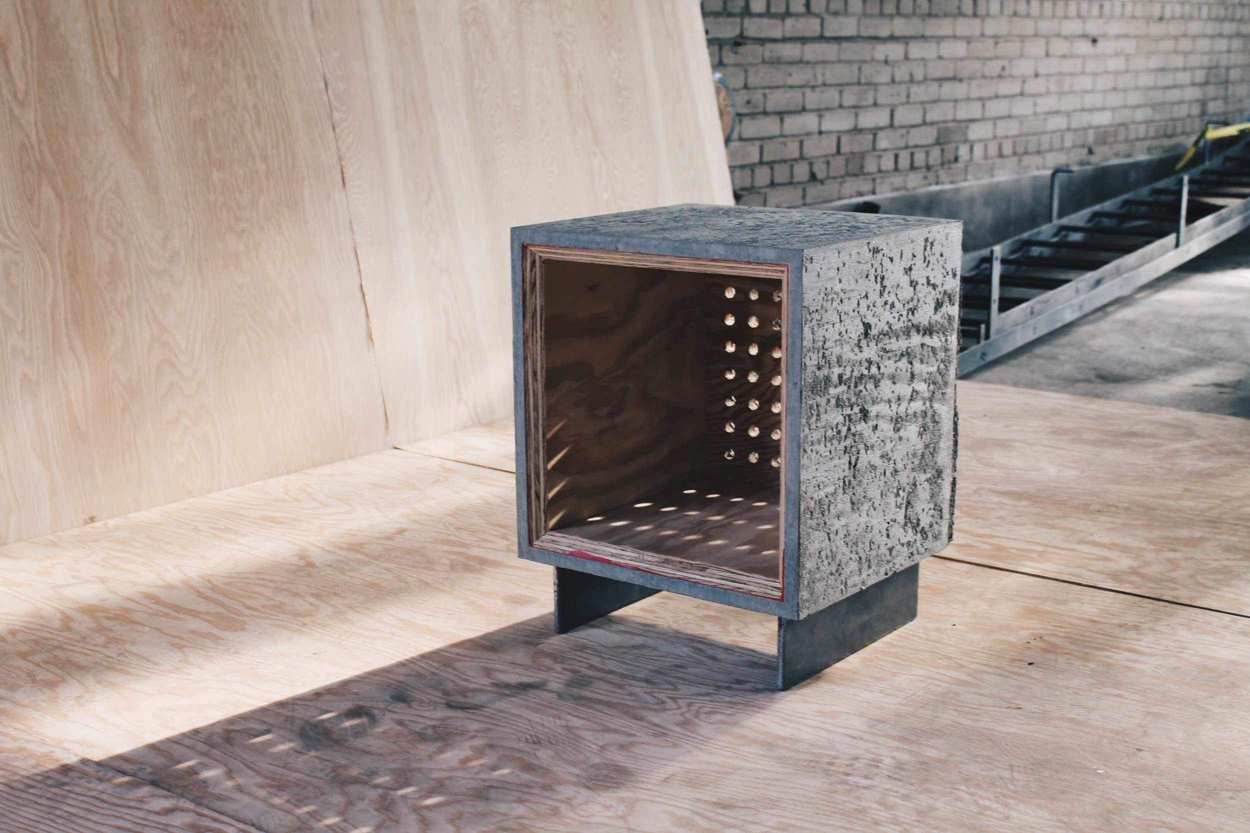 """meta [modern] side"" – Concrete Pig"