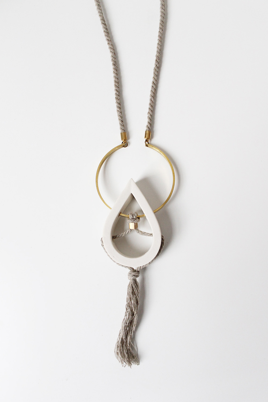 """""""Drop Necklace"""" – Janelle Gramling"""