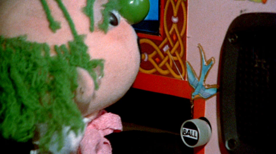I...I have no funny caption. But the puppet that SHOULDN'T be using the god machine has a button to dispense deathballs??