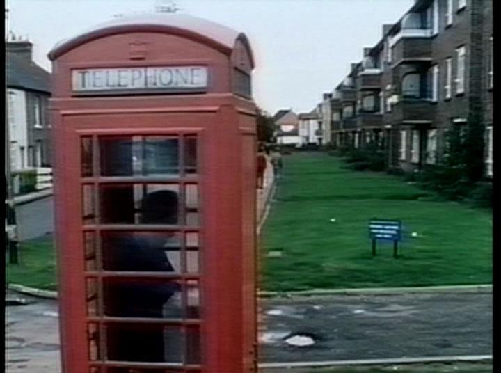 Oi, this ain't no TARDIS...