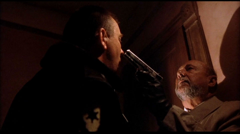 Loomis pulls guns on more cops than Michael.