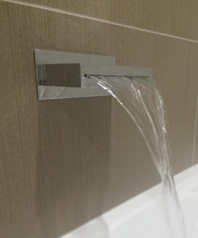 STYLISH BATHROOM FIXTURES