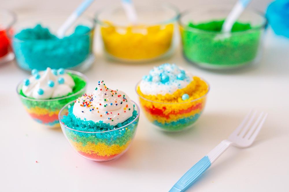 Kids Birthday Party: DIY Cake Bar