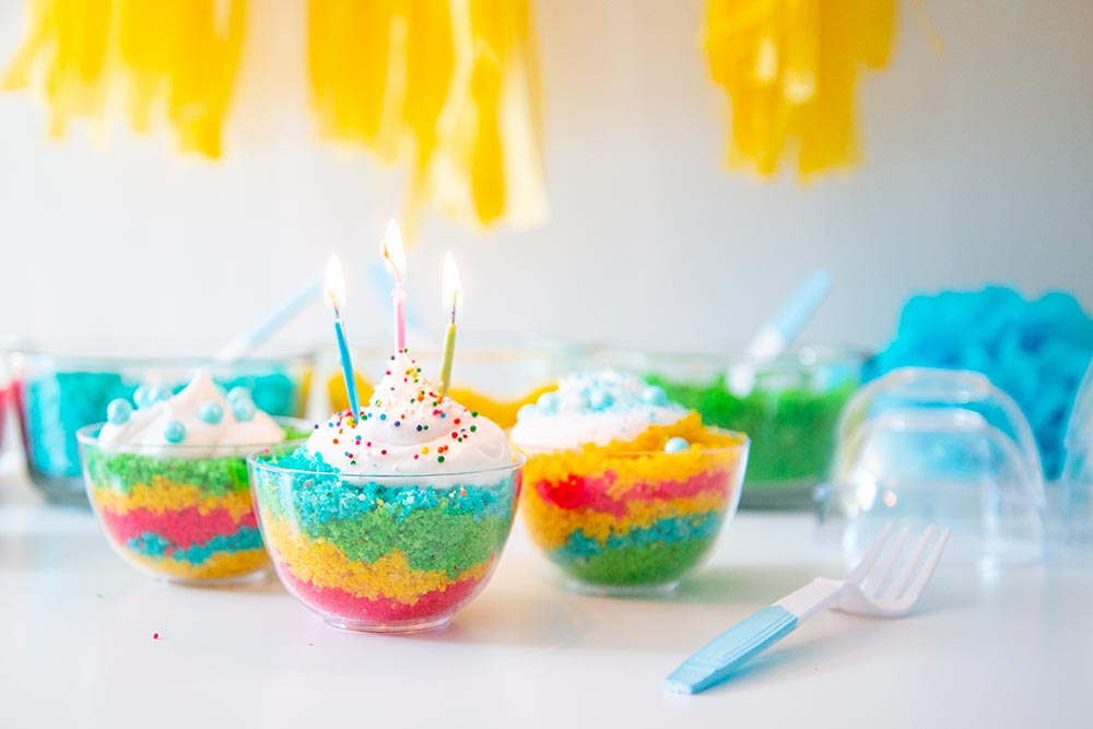 Kids Birthday Party: DIY Cake Bar Candles Lit