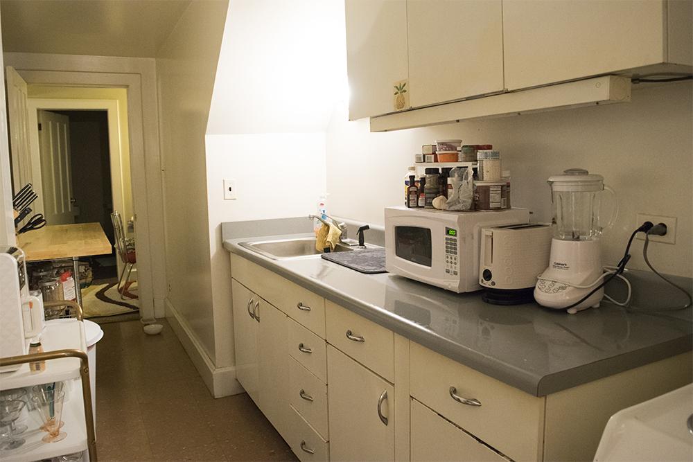 Rental Kitchen: Before