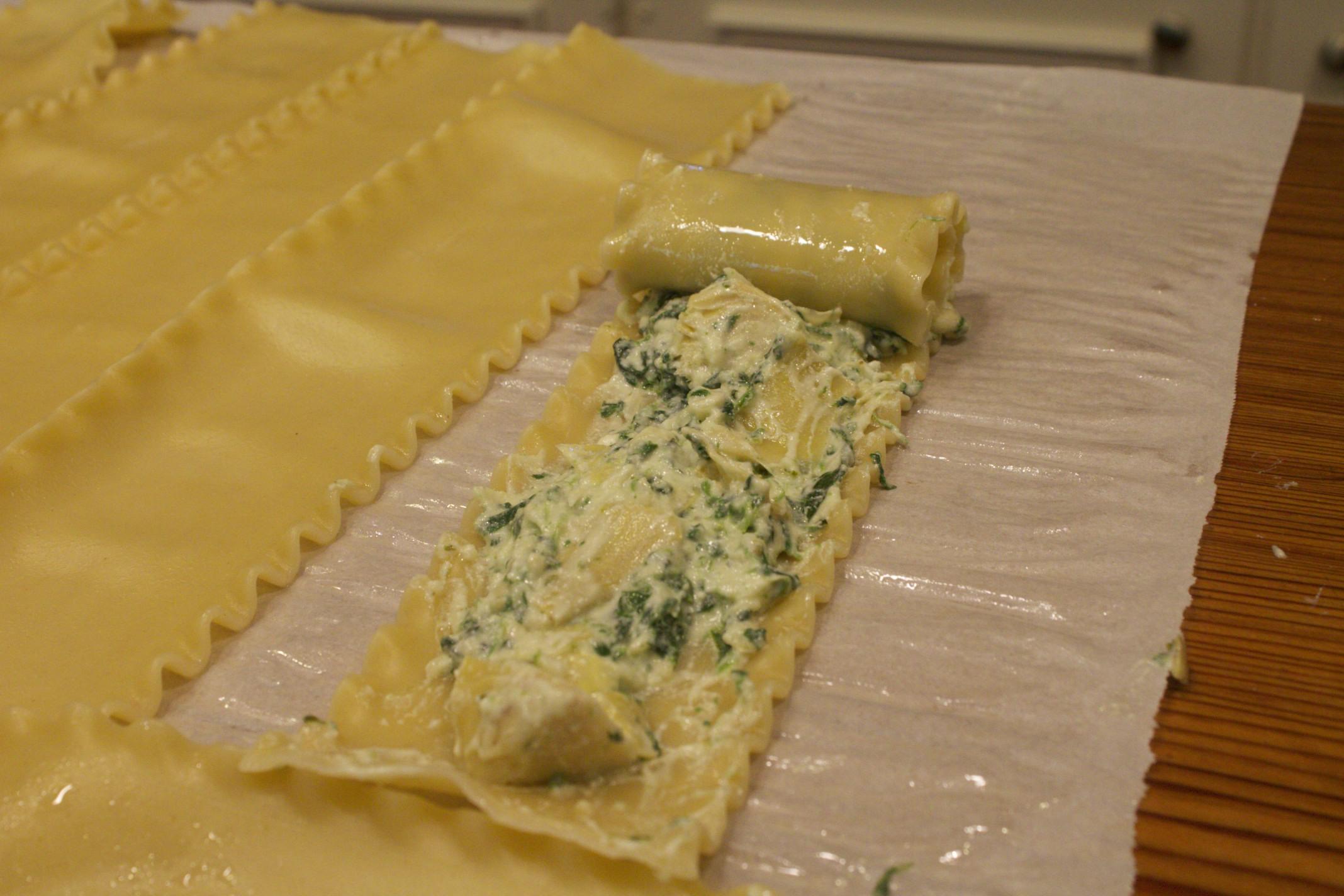 spinach and artichoke lasagna roll ups