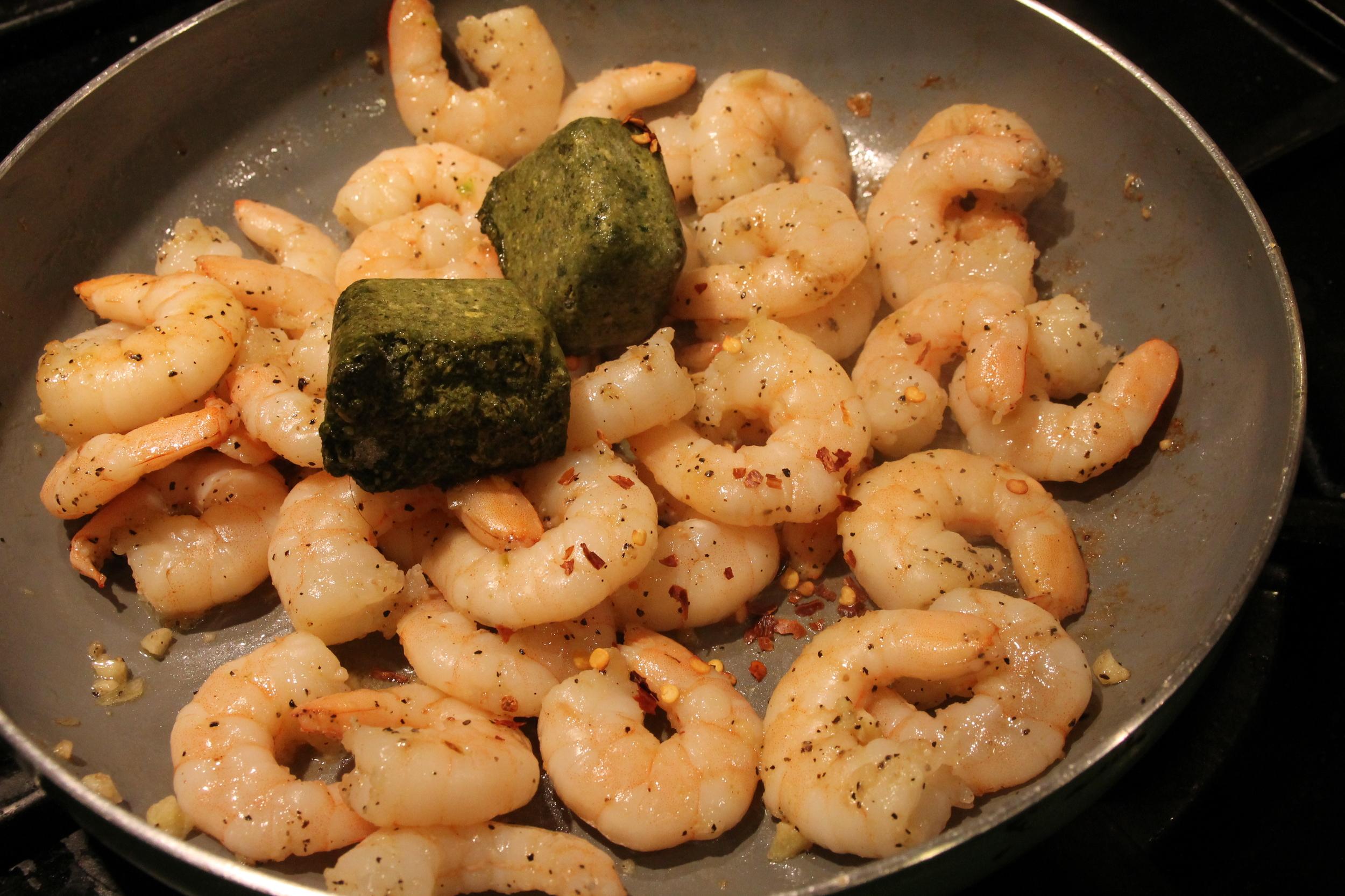 creamy pesto shrimp pasta