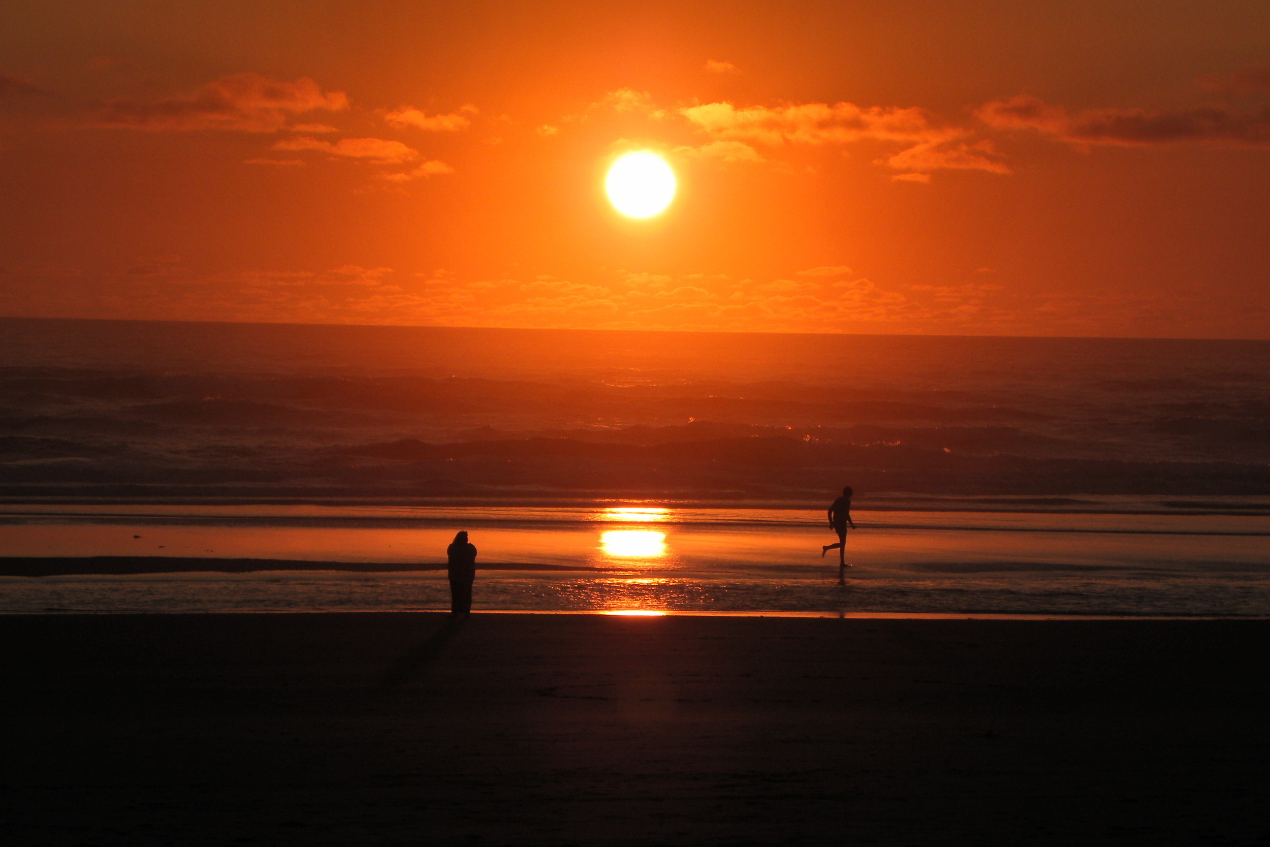 Killer Sunsets on Tillicum Beach