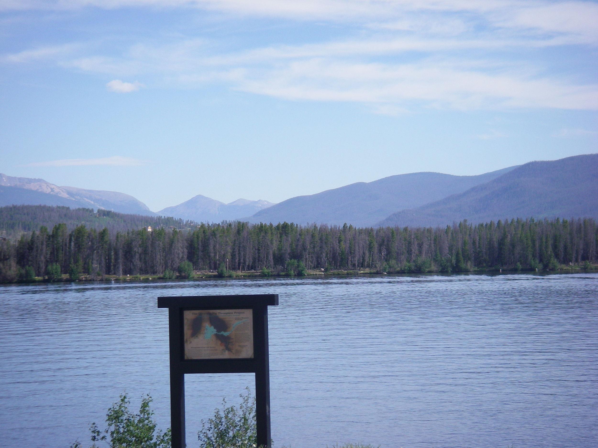 Beautiful views of Shadow Mountain Reservoir