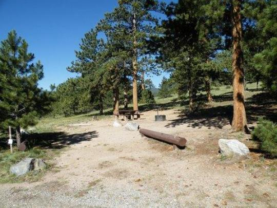 Picnic table and firering in campsites