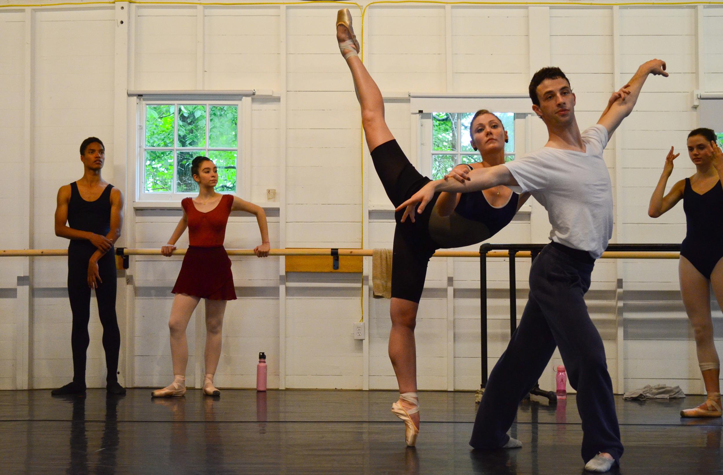 h_BalletProgram2011_TheSchoolAtJacobsPillow_courtesyJacobsPillowDance_photoCherylynnTsushima_005.jpg