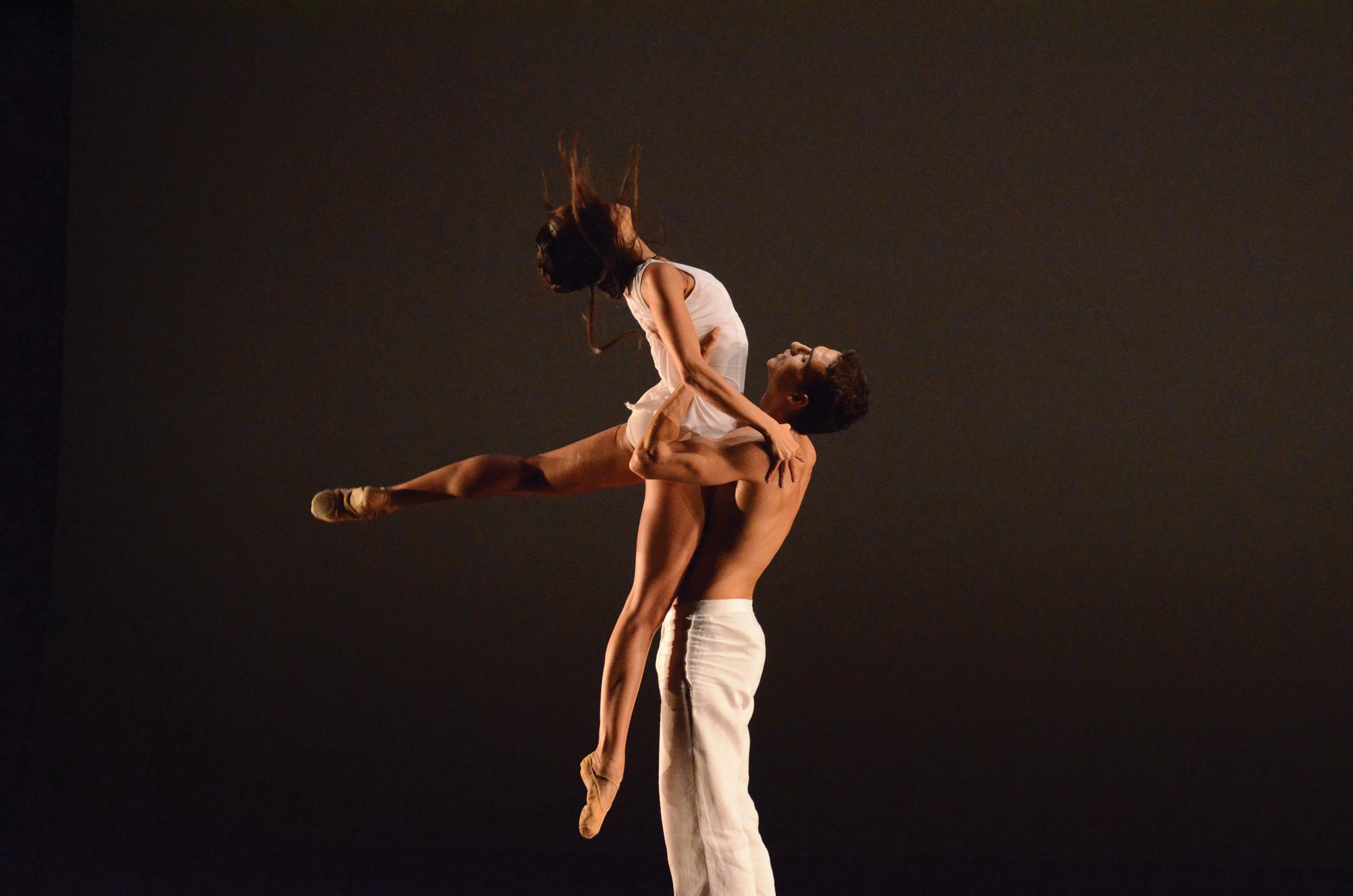 h_Gala_BalletGenevePerformance_2011CherylynnTsushima-64-2.jpg