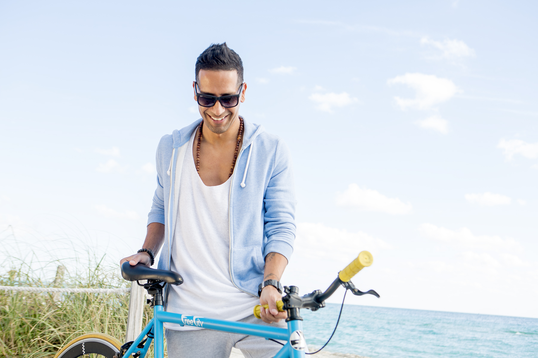 lifestyle_photography_miami_beach_new_york_david_gonzalez_healthcare_photographer_lifestyle_portrait__bici_fun_advertising_1800.jpg