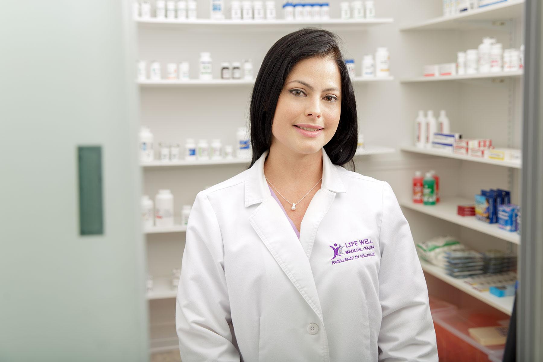 Miami_lifestyle_Photographer_David_Gonzalez_portrait_healthcare_pharma_pharmacy.jpg