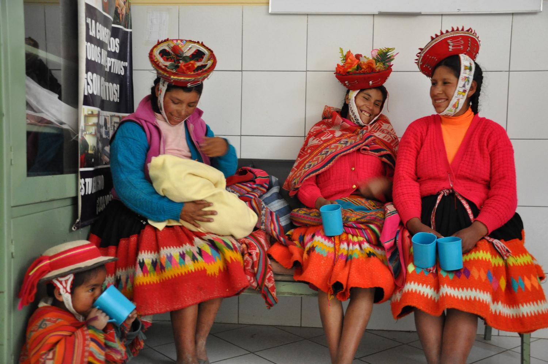 Awamaki, U.S., Ollantaytambo, Peru
