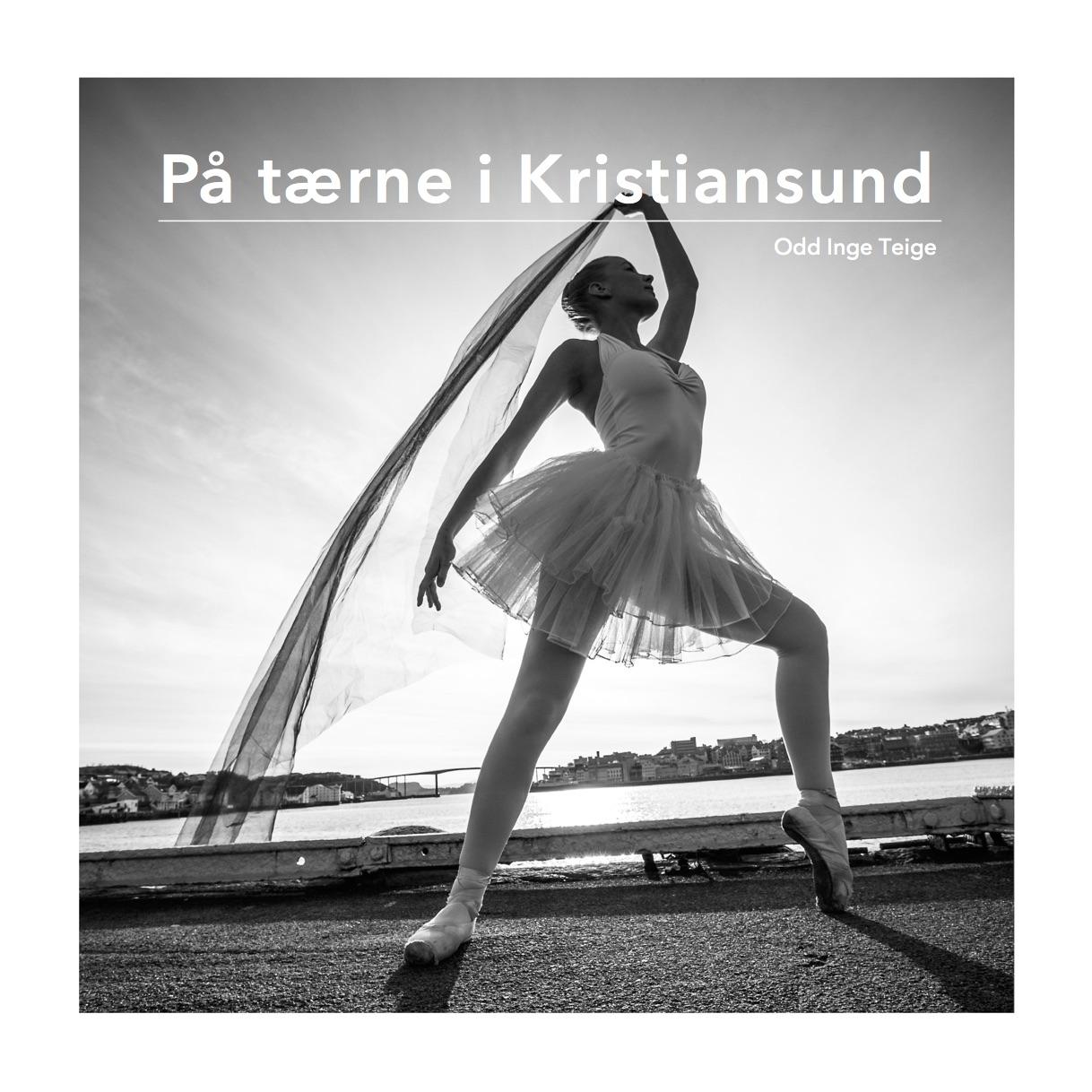 Boken er utdrag for et større fotoprosjekt som jeg gjennomførte i 2013-2014 i samarbeid med noen av de beste danserne ved Operaens Ballettsenter. Stylist: Karina Gregersen. Gaffer: Ragnar Hals. Kostymer: Operaen i Kristiansund.