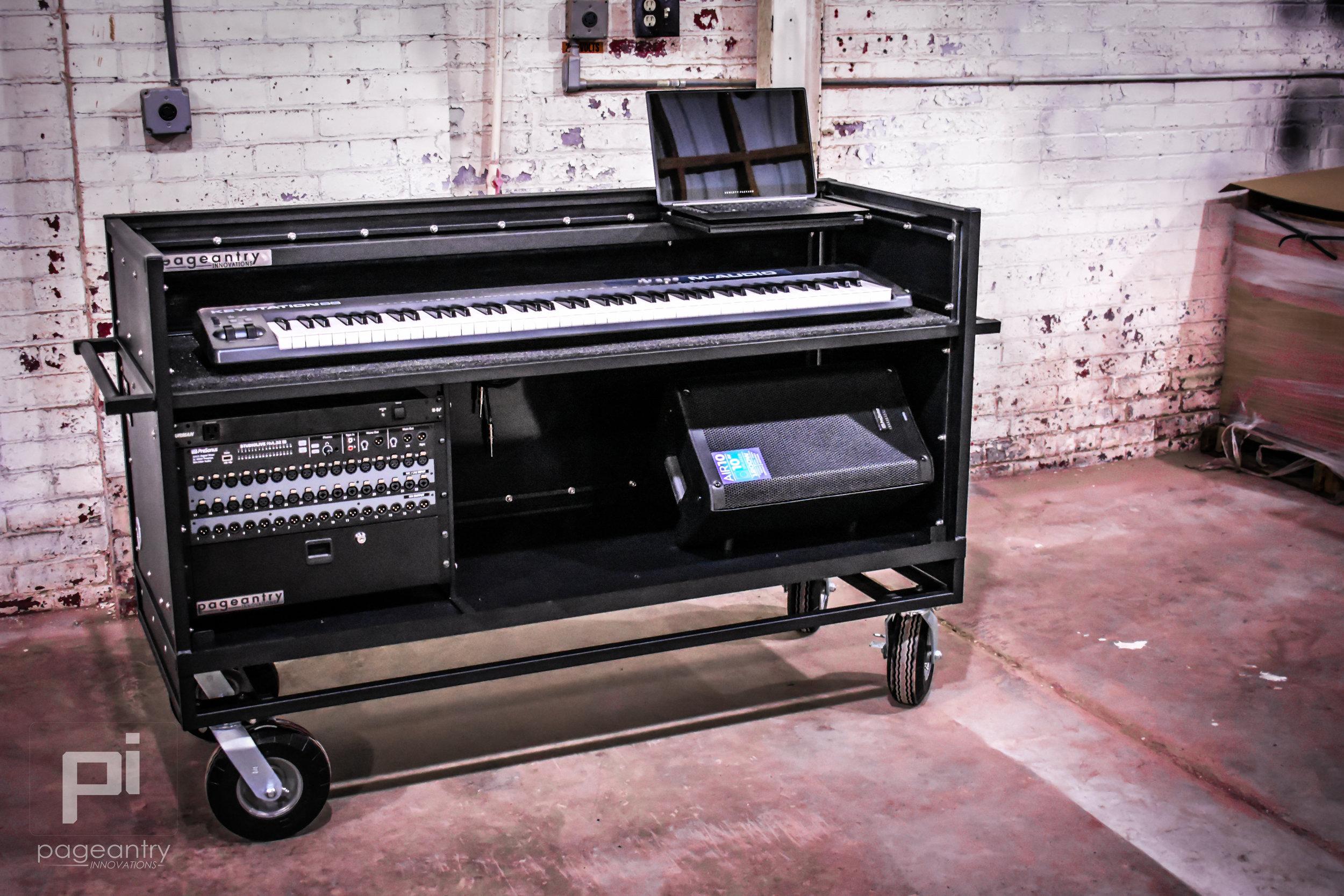KC-30 Enclosed Synth Cart -